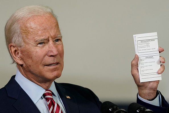 Tampa「Democratic Candidate For President Joe Biden Speaks With Veterans In Florida」:写真・画像(19)[壁紙.com]