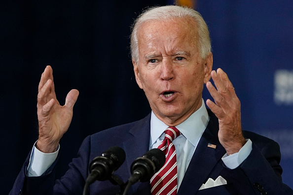 Tampa「Democratic Candidate For President Joe Biden Speaks With Veterans In Florida」:写真・画像(17)[壁紙.com]