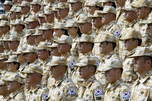 Conformity「South Korean Soldiers Prepare To Leave For Iraq」:写真・画像(5)[壁紙.com]