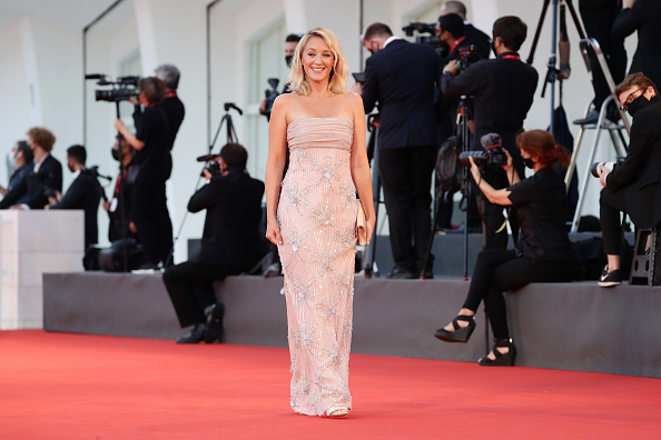 "Venice International Film Festival「""The World To Come"" Red Carpet - The 77th Venice Film Festival」:写真・画像(4)[壁紙.com]"