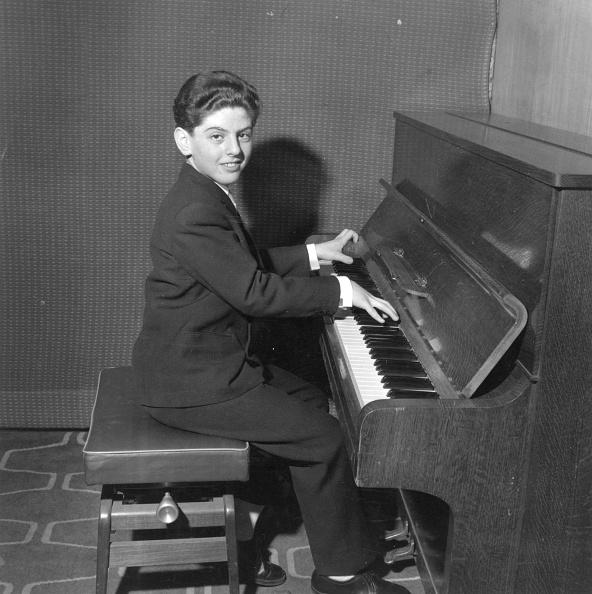 William Lovelace「Prodigy Pianist」:写真・画像(2)[壁紙.com]