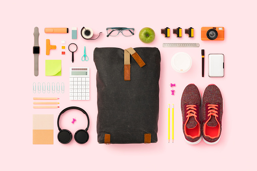 Turkey - Middle East「What's in my backpack flat lay」:スマホ壁紙(14)