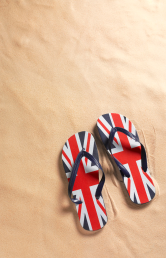 Flip-Flop「Union Jack flip-flops on beach with copy space」:スマホ壁紙(17)