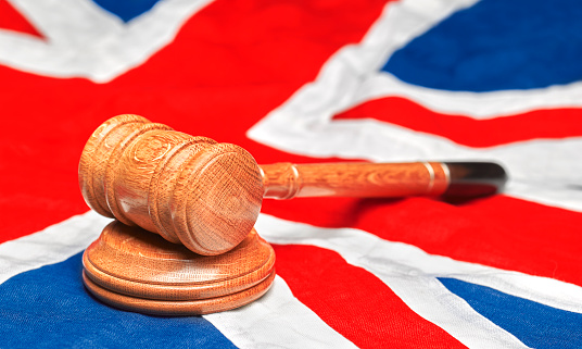 Legal System「Union Jack Flag with gavel」:スマホ壁紙(9)