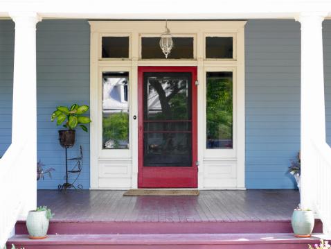 Door「Front porch and front door of house」:スマホ壁紙(0)
