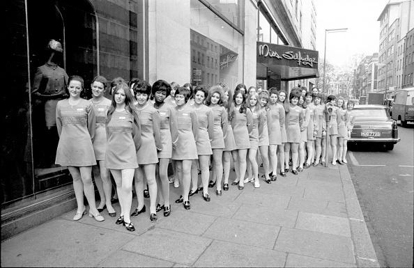 Conformity「Uniform Dresses」:写真・画像(2)[壁紙.com]