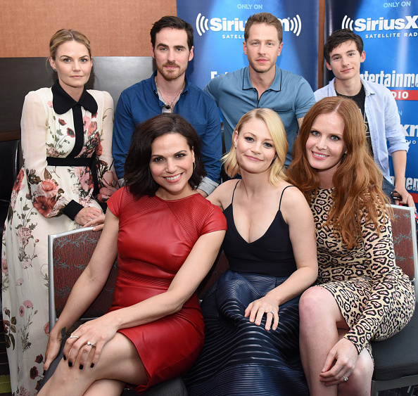 Emilie De Ravin「SiriusXM's Entertainment Weekly Radio Channel Broadcasts From Comic-Con 2016 - Day 3」:写真・画像(18)[壁紙.com]