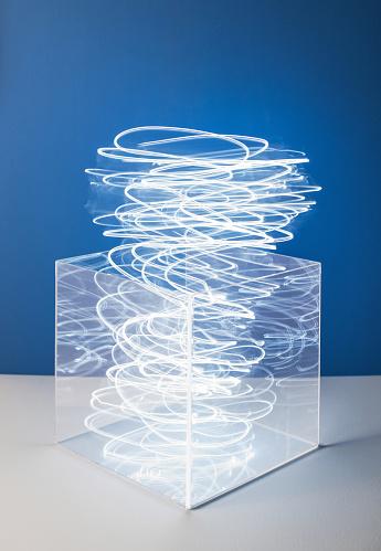Light Trail「Swirling light from a clear box」:スマホ壁紙(3)