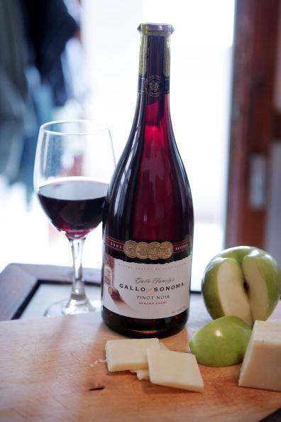 Wine「United Farm Workers Union Calls For Boycott Of Gallo Winery」:写真・画像(19)[壁紙.com]