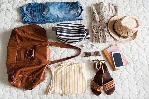 Shoe「Summer travel clothing of woman on blanket」:スマホ壁紙(12)
