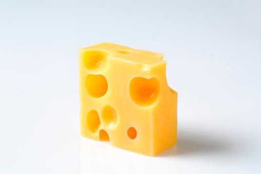 部分「エメンタールチーズ」:スマホ壁紙(14)