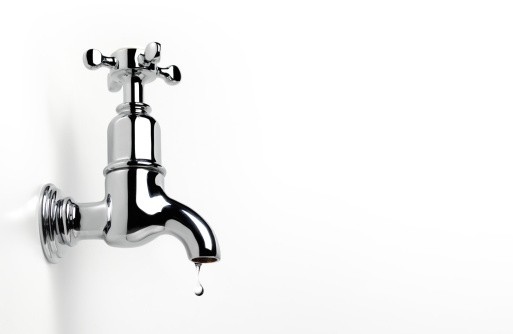 Faucet「Dripping tap with copy space」:スマホ壁紙(13)