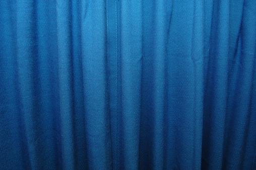 Wrinkled「Blue curtain」:スマホ壁紙(17)
