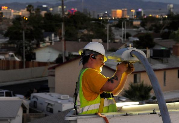 Street Light「Las Vegas Begins Replacing 6600 Streetlights With LED Fixtures」:写真・画像(1)[壁紙.com]