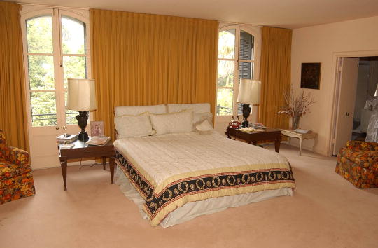 Bedroom「The Home Of Vincent And Lee Minnelli」:写真・画像(7)[壁紙.com]