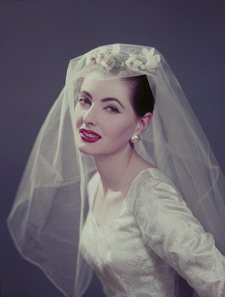 Wedding Dress「Wedding Outfit」:写真・画像(1)[壁紙.com]