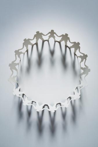 Female Likeness「Circle of paper cut-out men and women」:スマホ壁紙(5)