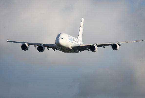 Commercial Airplane「Airbus Test Flies A380 With New Synthetic Fuel」:写真・画像(1)[壁紙.com]