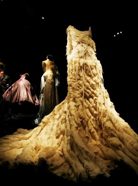 "Alexander McQueen - Designer Label「""Blog.mode Addressing Fashion"" at The MET's Costume Institute」:写真・画像(0)[壁紙.com]"