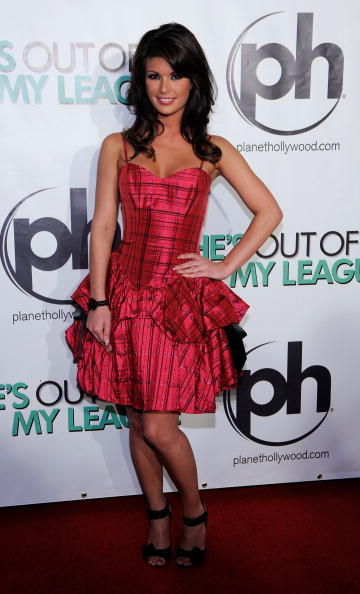"""Ethan Miller「Premiere Of DreamWorks' """"She's Out Of My League"""" - Arrivals」:写真・画像(15)[壁紙.com]"""