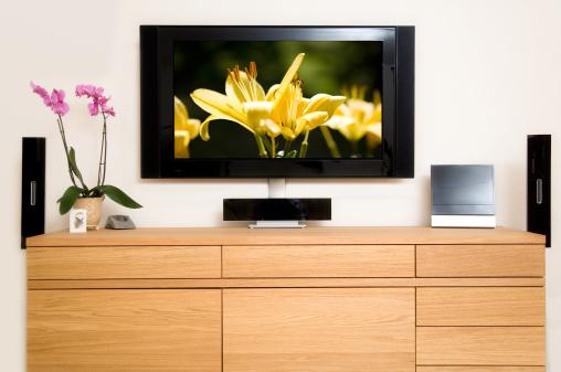 Sideboard「Television set in living room」:スマホ壁紙(9)