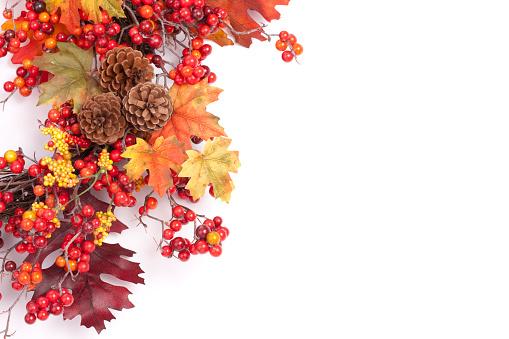 かえでの葉「秋のリース」:スマホ壁紙(4)