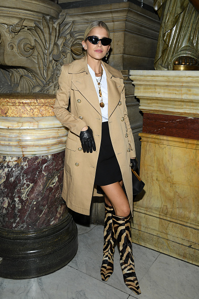 Spring Collection「Balmain : Front Row -  Paris Fashion Week - Womenswear Spring Summer 2020」:写真・画像(2)[壁紙.com]