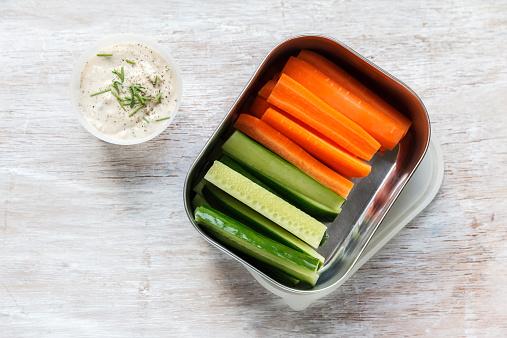 Carrot「Vegetable sticks with oat dip」:スマホ壁紙(15)