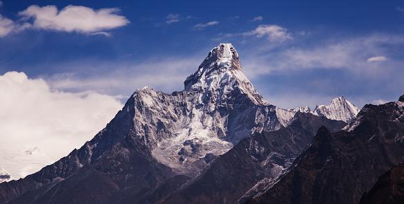 Khumbu「Ama Dablam from Everest View near Namche Bazaar, Everest Base Camp Trek, Nepal」:スマホ壁紙(2)