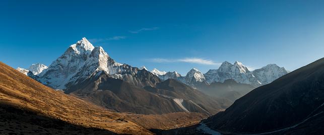 Ama Dablam「Ama Dablam in the Khumbu region of Nepal」:スマホ壁紙(10)