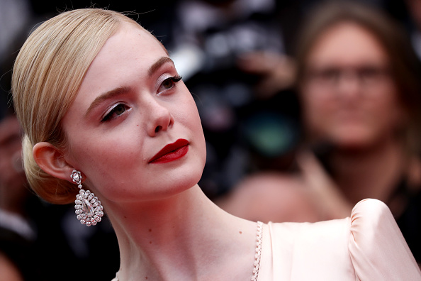 "Elle Fanning「""The Dead Don't Die"" & Opening Ceremony Red Carpet - The 72nd Annual Cannes Film Festival」:写真・画像(15)[壁紙.com]"