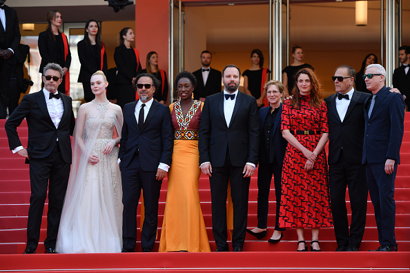 Elle Fanning「Closing Ceremony Red Carpet - The 72nd Annual Cannes Film Festival」:写真・画像(1)[壁紙.com]