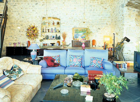 Sofa「View of a well decorated living room」:写真・画像(5)[壁紙.com]