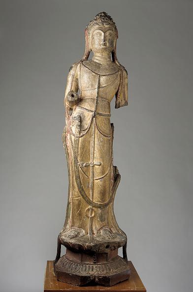 White Background「Standing Figure Of Bodhisattva」:写真・画像(3)[壁紙.com]