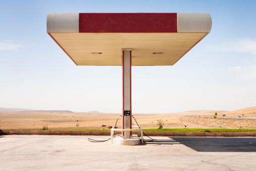 The Past「Gas station」:スマホ壁紙(0)
