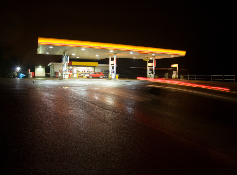 Garage「Gas station at night」:スマホ壁紙(11)