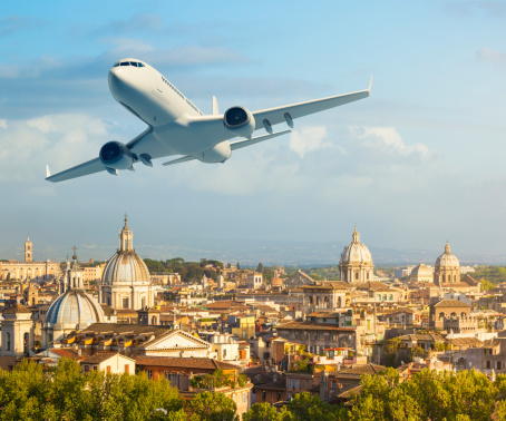 Commercial Airplane「Airplane over Rome」:スマホ壁紙(12)