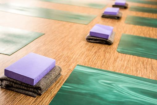 Pilates「Empty yoga studio ready for students.」:スマホ壁紙(2)