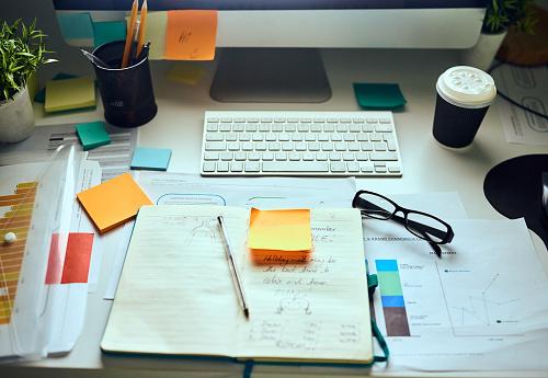 New Business「The desk of a designer」:スマホ壁紙(17)