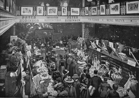 1900-1909「A sale day at Peter Robinson's department store, Oxford Street, London, c1903 (1903)」:写真・画像(13)[壁紙.com]