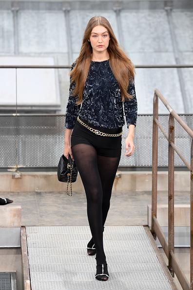 Chanel「Chanel : Runway - Paris Fashion Week - Womenswear Spring Summer 2020」:写真・画像(18)[壁紙.com]