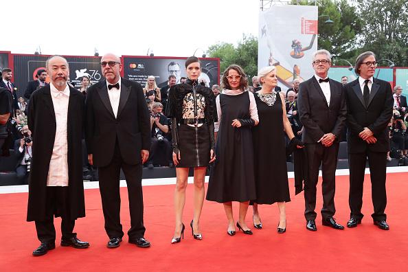 "Venice International Film Festival「""La Vérité"" (The Truth) And Opening Ceremony Red Carpet Arrivals - The 76th Venice Film Festival」:写真・画像(16)[壁紙.com]"