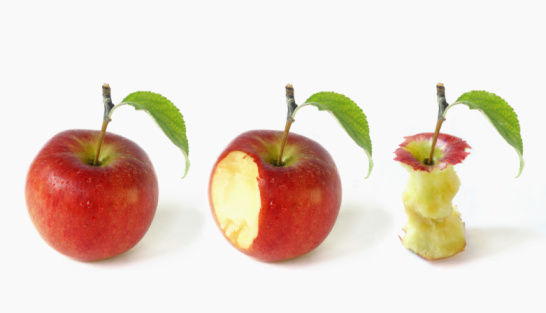 Digital Composite「apple depicted in three stages of being eaten」:スマホ壁紙(13)