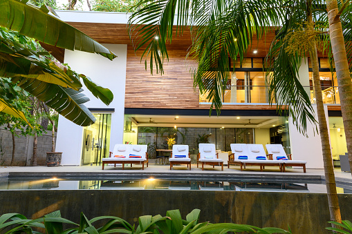 Resort Swimming Pool「Luxury rental property」:スマホ壁紙(17)