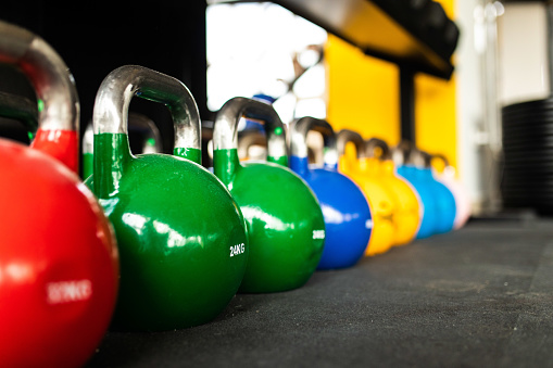 Effort「Kettlebells in the gym」:スマホ壁紙(17)