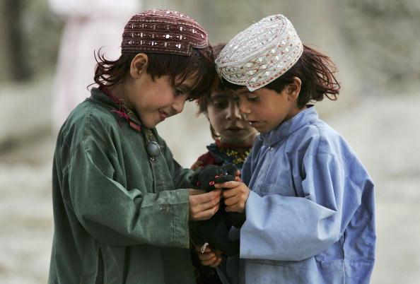 John Moore「U.S. Forces Distribute Presents For Eid al-Fitr Celebration」:写真・画像(19)[壁紙.com]