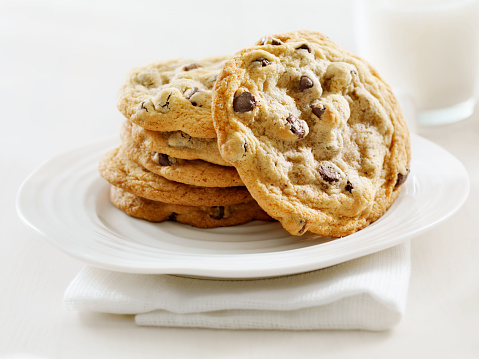 High Key「Chocolate Chip Cookies and Milk」:スマホ壁紙(18)