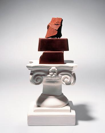 Sculpture「Chocolate Chunks on Pedestal」:スマホ壁紙(9)