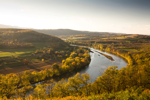 River「Pennsylvania valley in autumn」:スマホ壁紙(9)