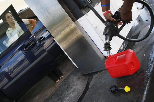 Hurricane Ike「Average Gas Prices Rise 17 Cents In Wake Of Hurricane Ike」:写真・画像(18)[壁紙.com]